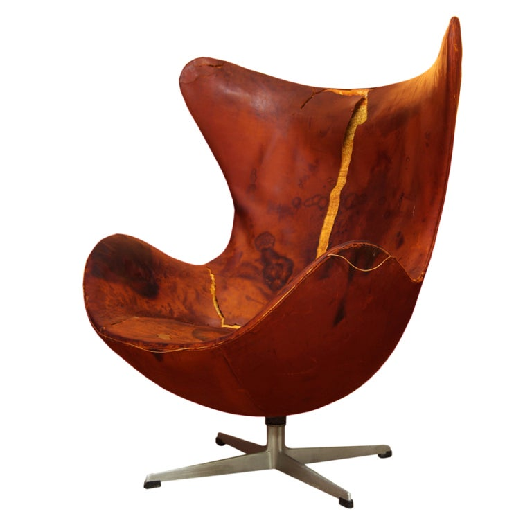 vintage arne jacobsen leather egg chair for fritz hansen at 1stdibs. Black Bedroom Furniture Sets. Home Design Ideas