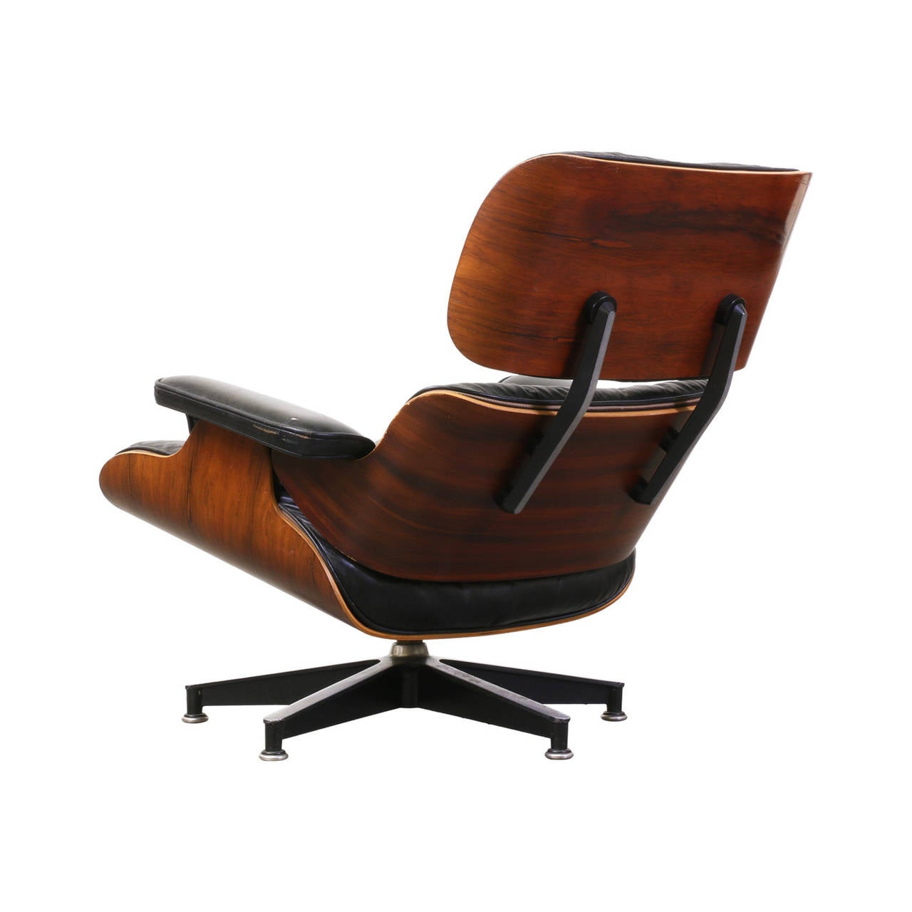 charles and ray eames 670 leather and rosewood lounge. Black Bedroom Furniture Sets. Home Design Ideas
