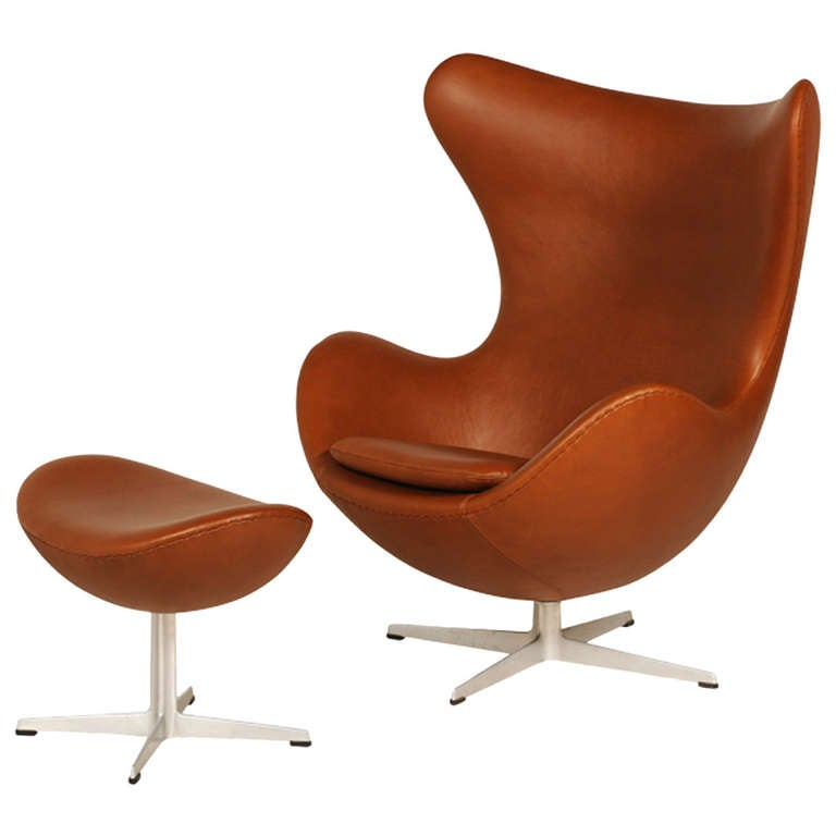 arne jacobsen egg chair with ottoman for fritz hansen for sale at 1stdibs. Black Bedroom Furniture Sets. Home Design Ideas