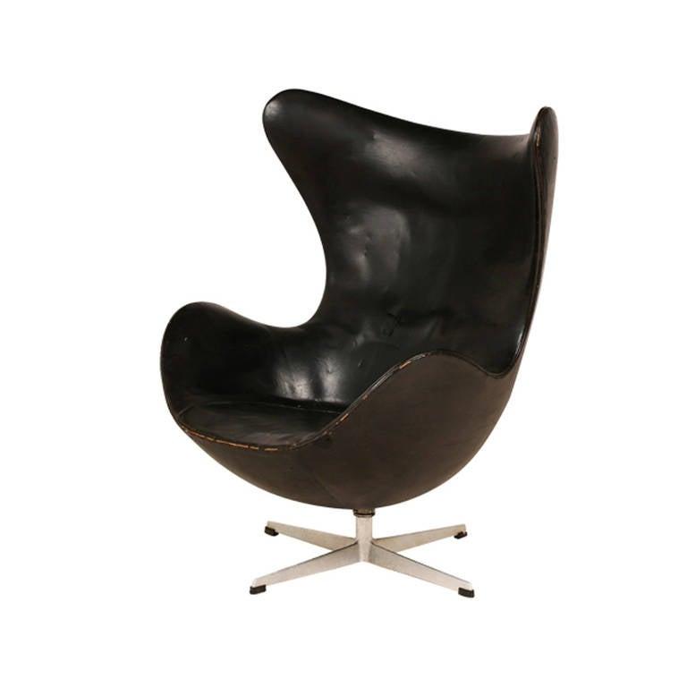 "Rare Arne Jacobsen First Generation ""Egg"" Chair for Fritz Hansen 4"