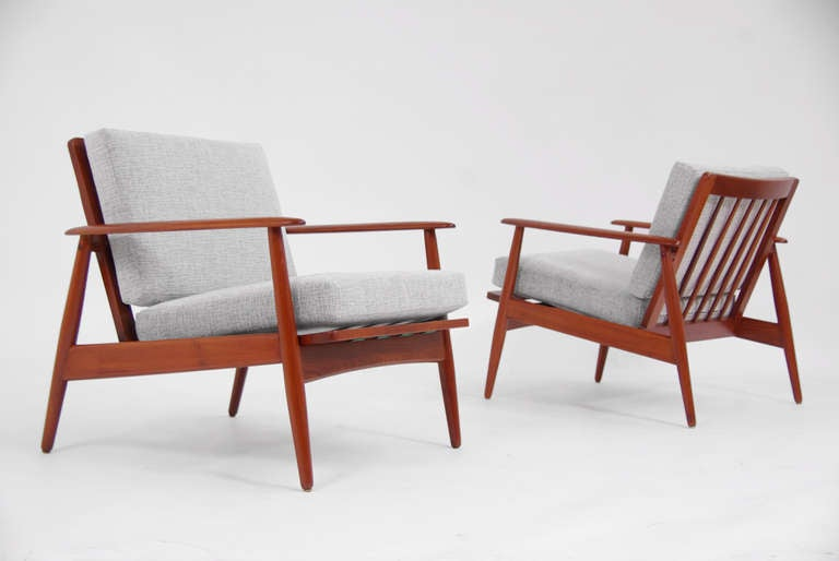 danish modern teak lounge chairs by moreddi at 1stdibs