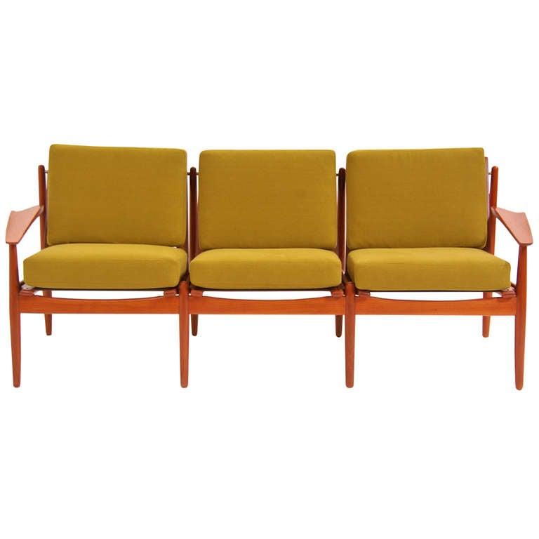 Danish modern teak sofa by arne vodder at 1stdibs for Danish modern sofas