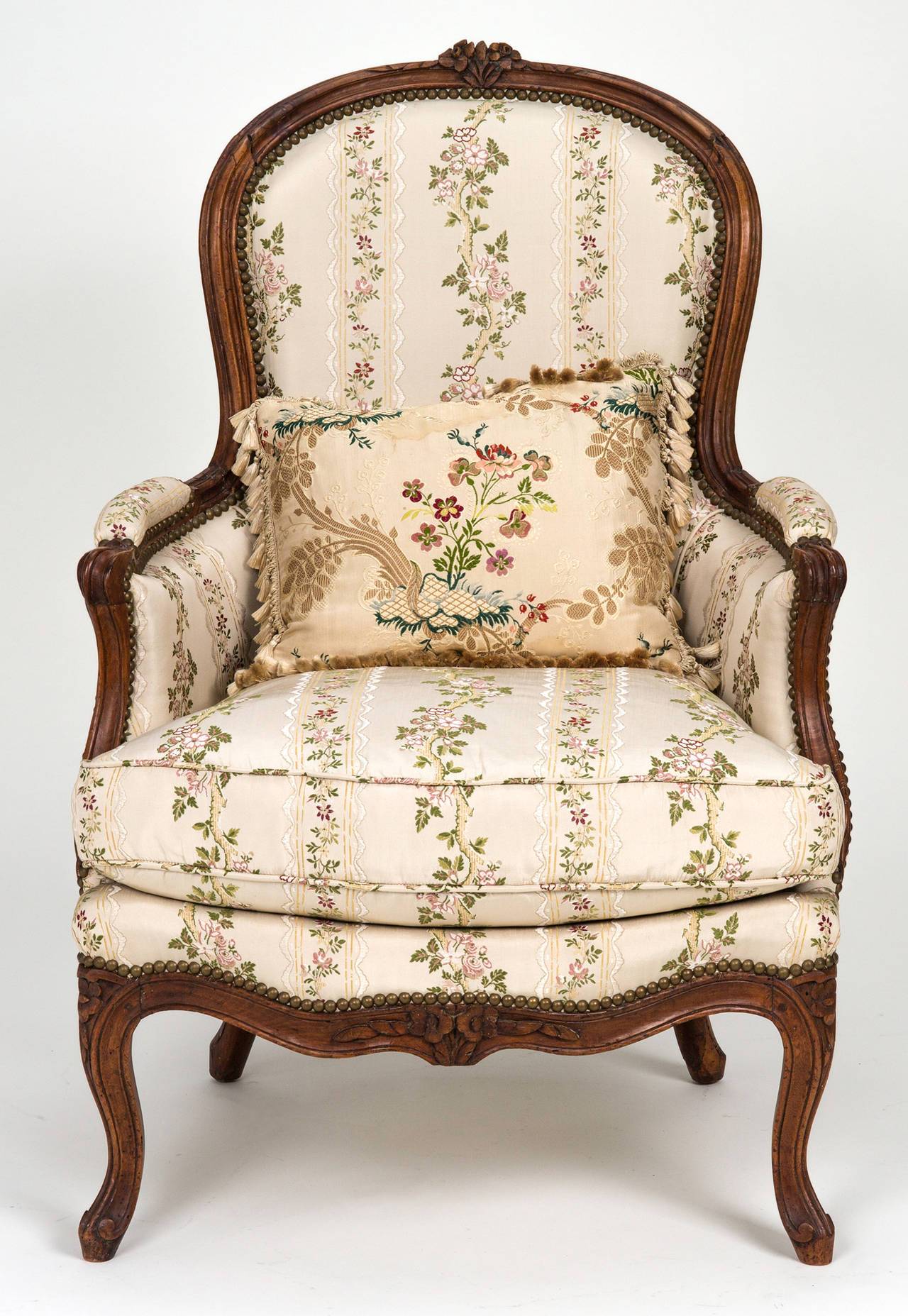 louis xv chair and ottoman chaise lounge at 1stdibs. Black Bedroom Furniture Sets. Home Design Ideas