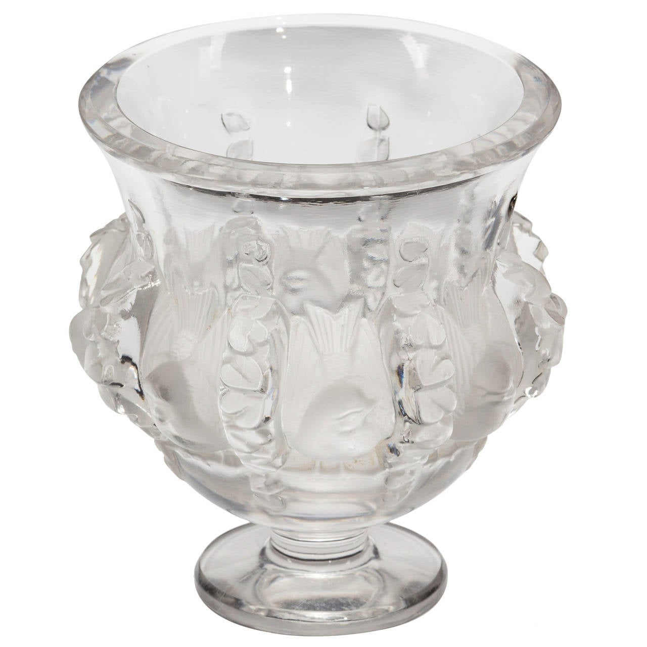 1930s lalique dampierre vase at 1stdibs for Lalique vase