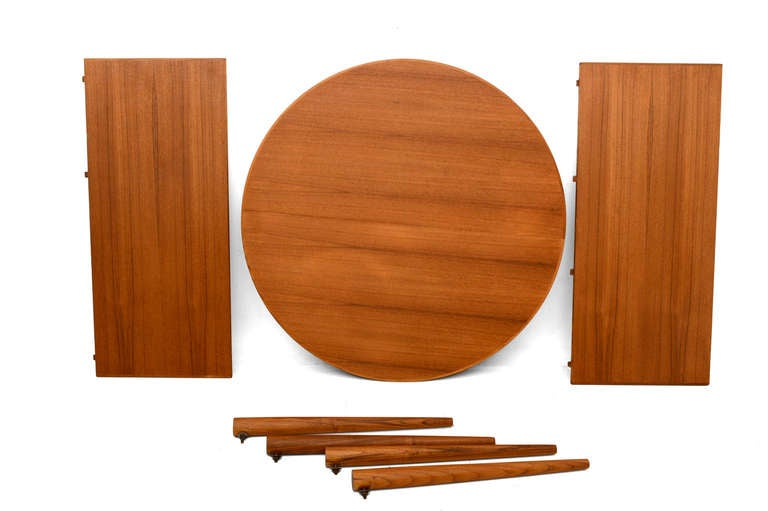 Mid-20th Century Danish Modern Teak Oval Dining Table For Sale