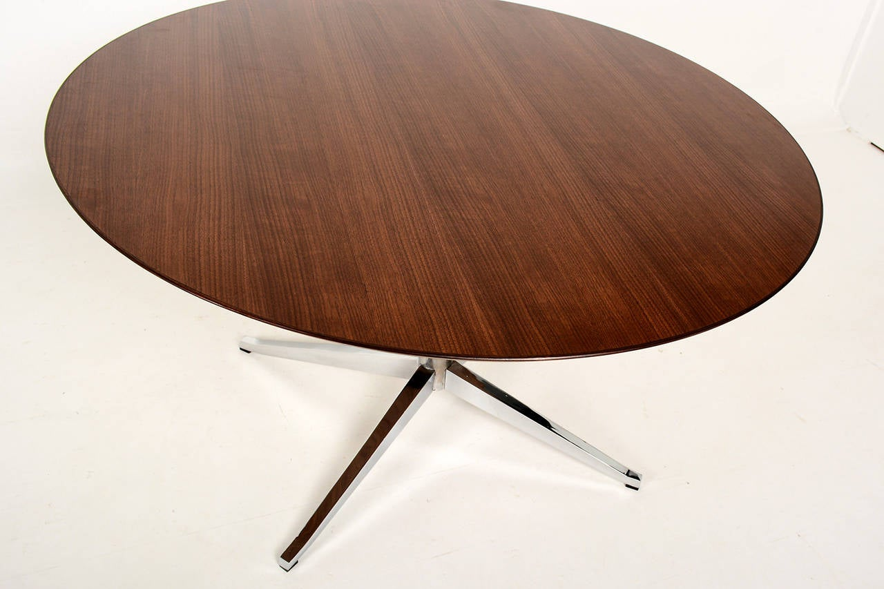 American Knoll Round Conference or Dining Table For Sale
