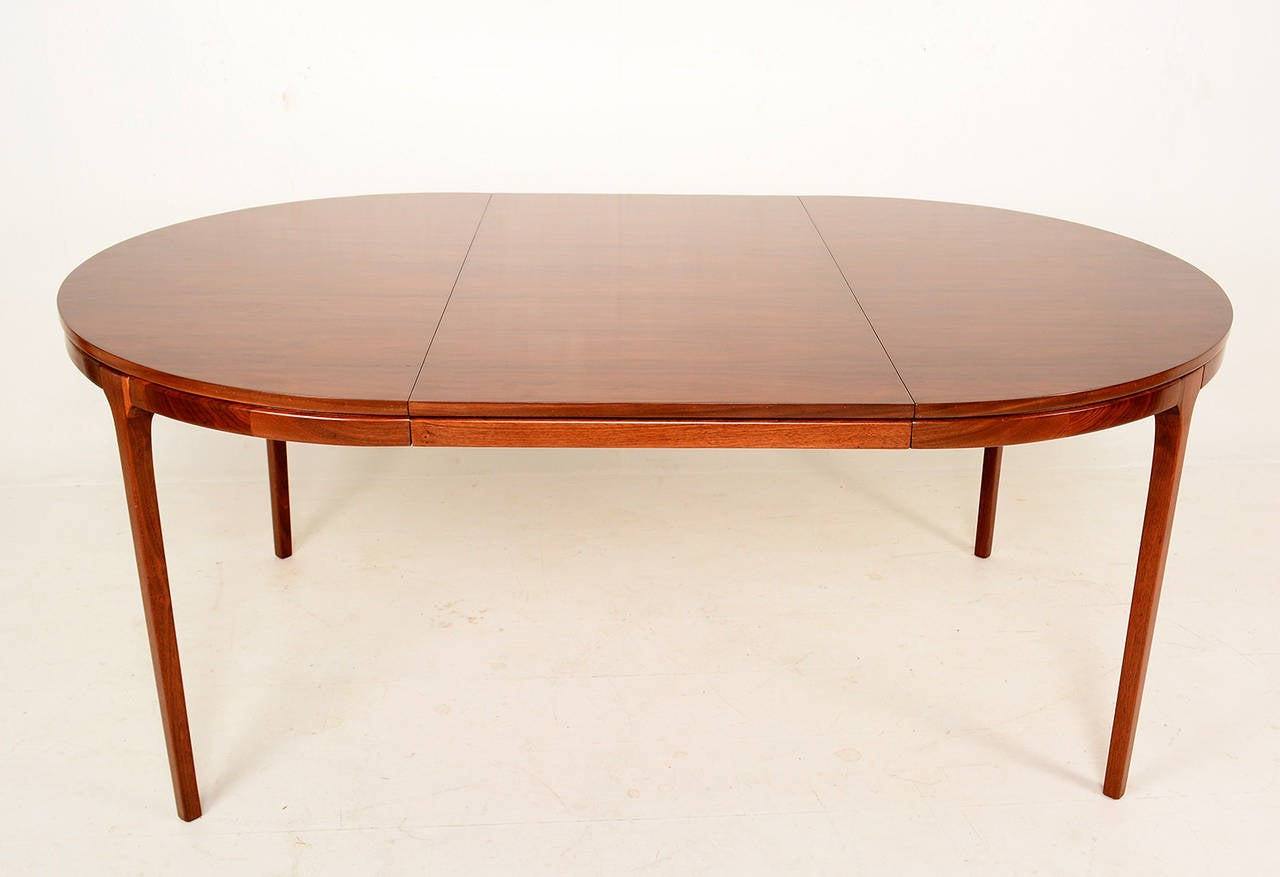 Walnut oval dining table mid century at 1stdibs for Walnut dining table