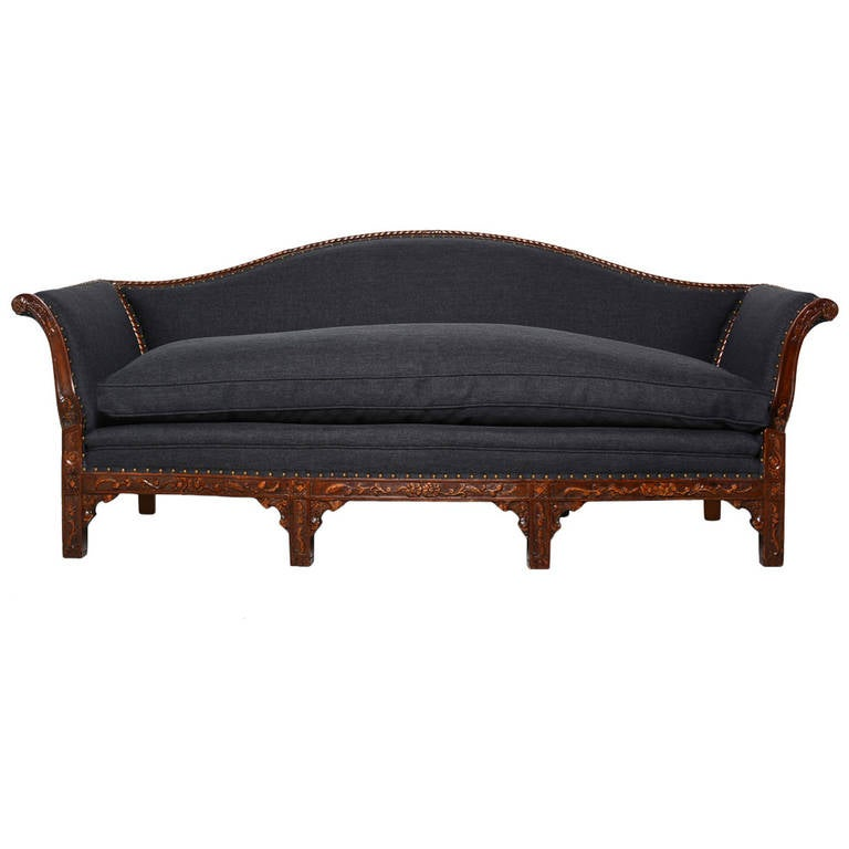 Antique victorian sofa at 1stdibs for Victorian sofa