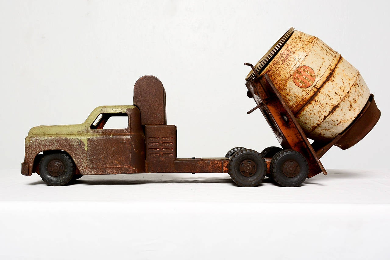 Toy trucks Vintage toys Antique toys