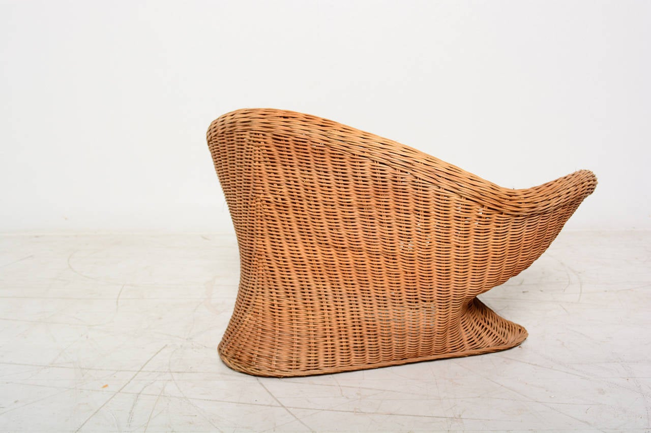 Italian Wicker Chair For Sale at 1stdibs