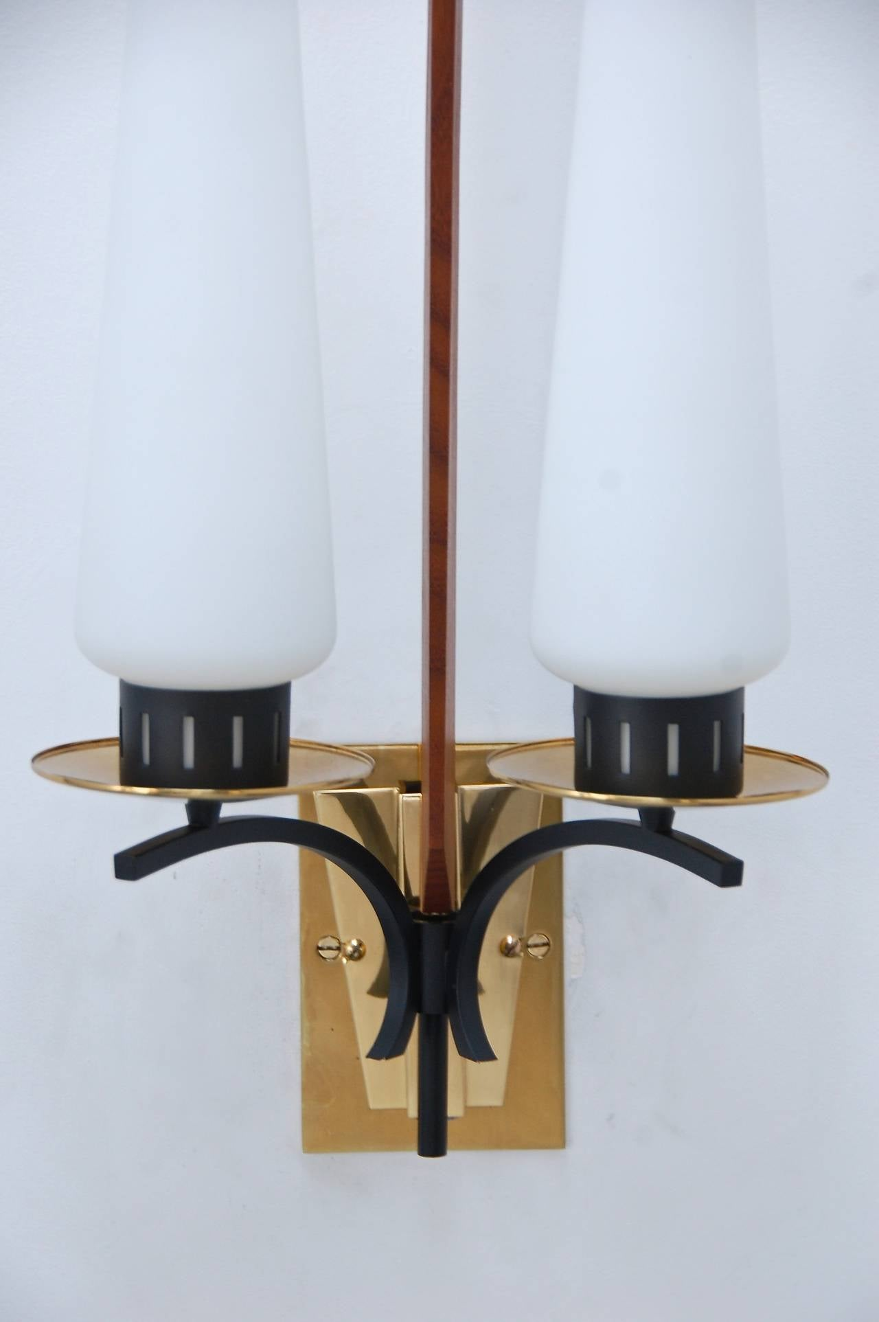 Wall Sconces Mid Century : Large Italian Mid-Century Sconce For Sale at 1stdibs