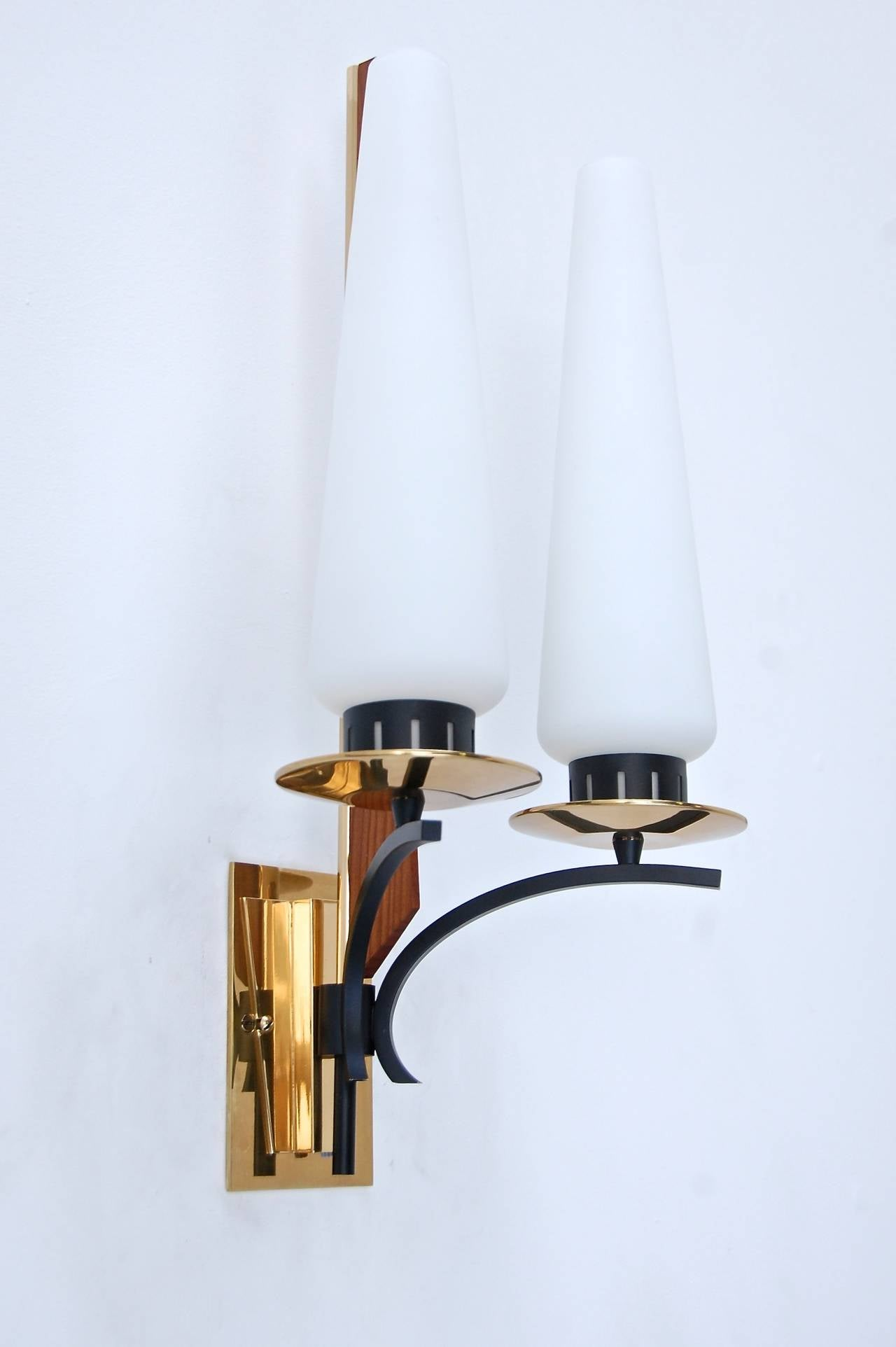 Large Italian Mid-Century Sconce For Sale at 1stdibs