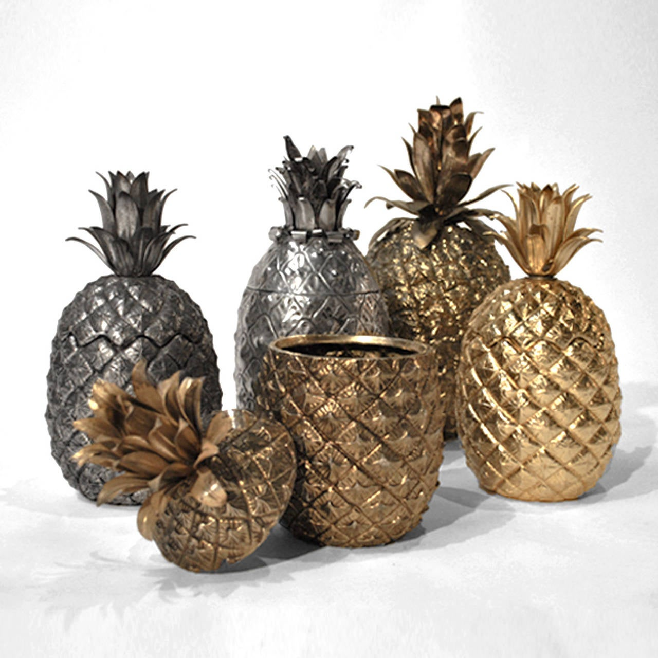 Pineapple Shaker In Good Condition For Sale In Madrid, ES
