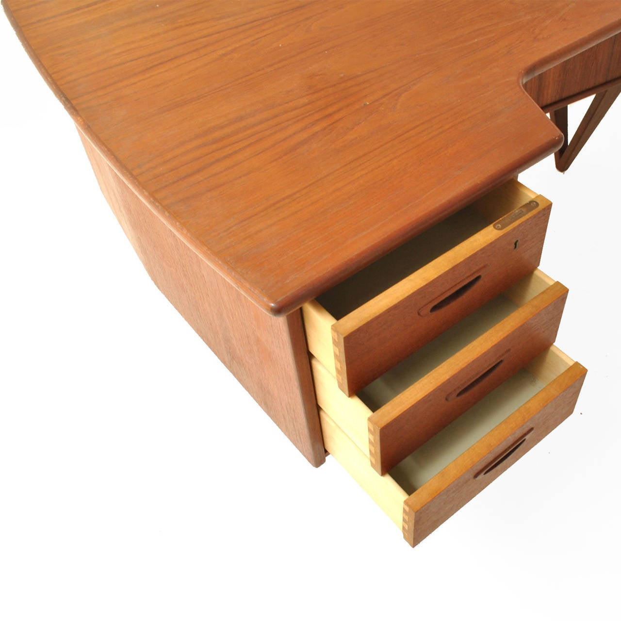 Boomerang Table Desk by Peter Løvig Nielsen In Excellent Condition For Sale In Madrid, ES