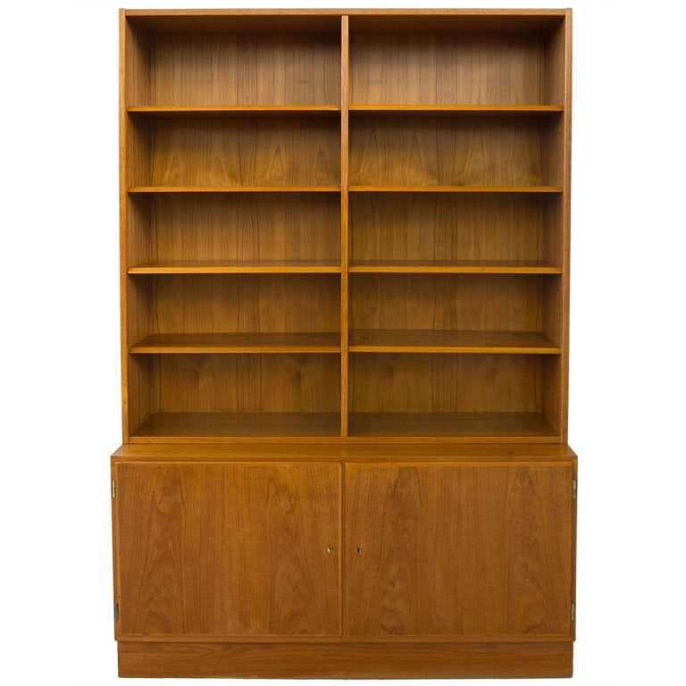 Poul Hundevad Danish Modern Teak Bookcase Display Cabinet