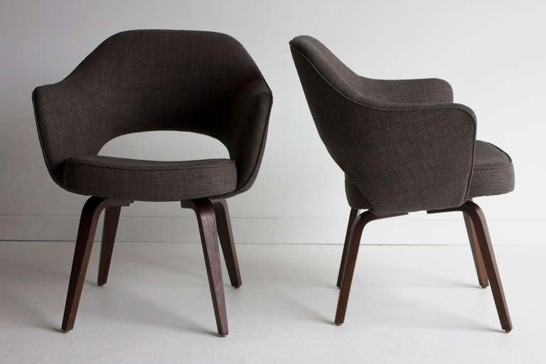 Eero Saarinen Executive Chairs With Wood Legs For Knoll
