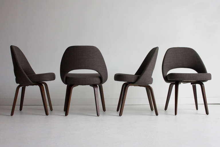 eero saarinen executive chairs with wood legs for knoll. Black Bedroom Furniture Sets. Home Design Ideas
