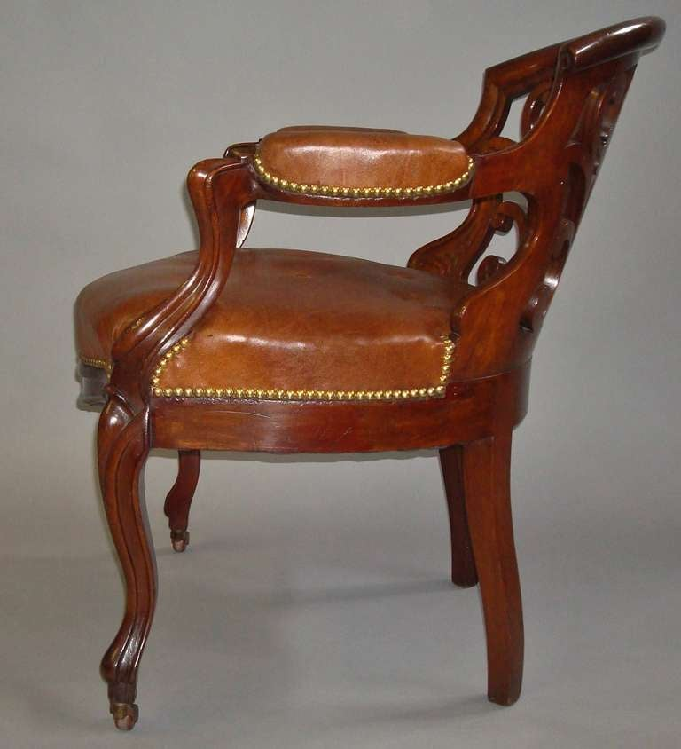 Leather Sofas Gloucestershire: A Stylish Pair Of C19th Walnut And Leather Library Open