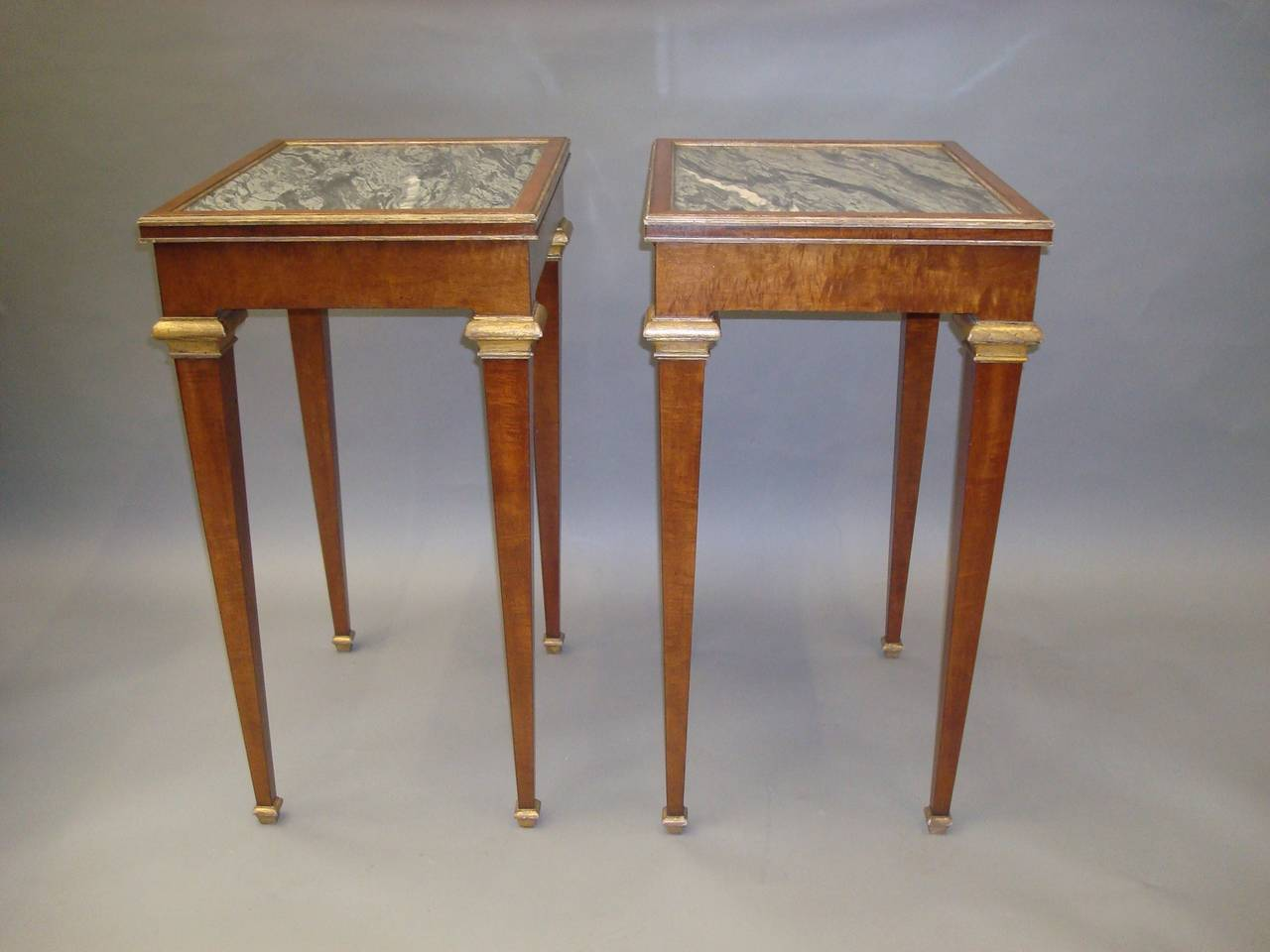 Marble top table - Stylish 19th Century Pair Of Mahogany With Marble Top End Tables 3