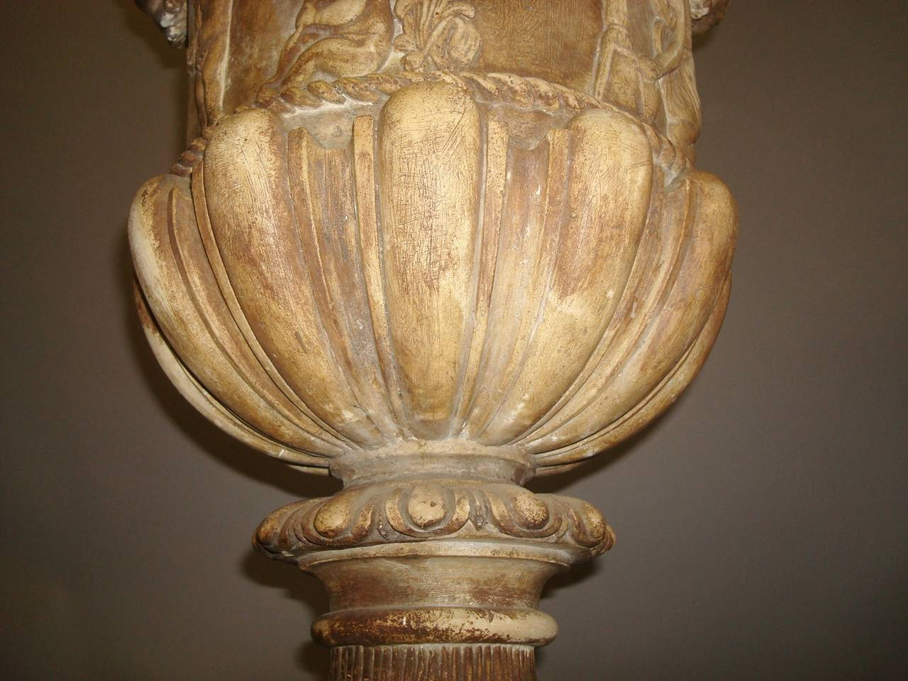 Regency Pair of Neoclassical Plaster Urns For Sale 2