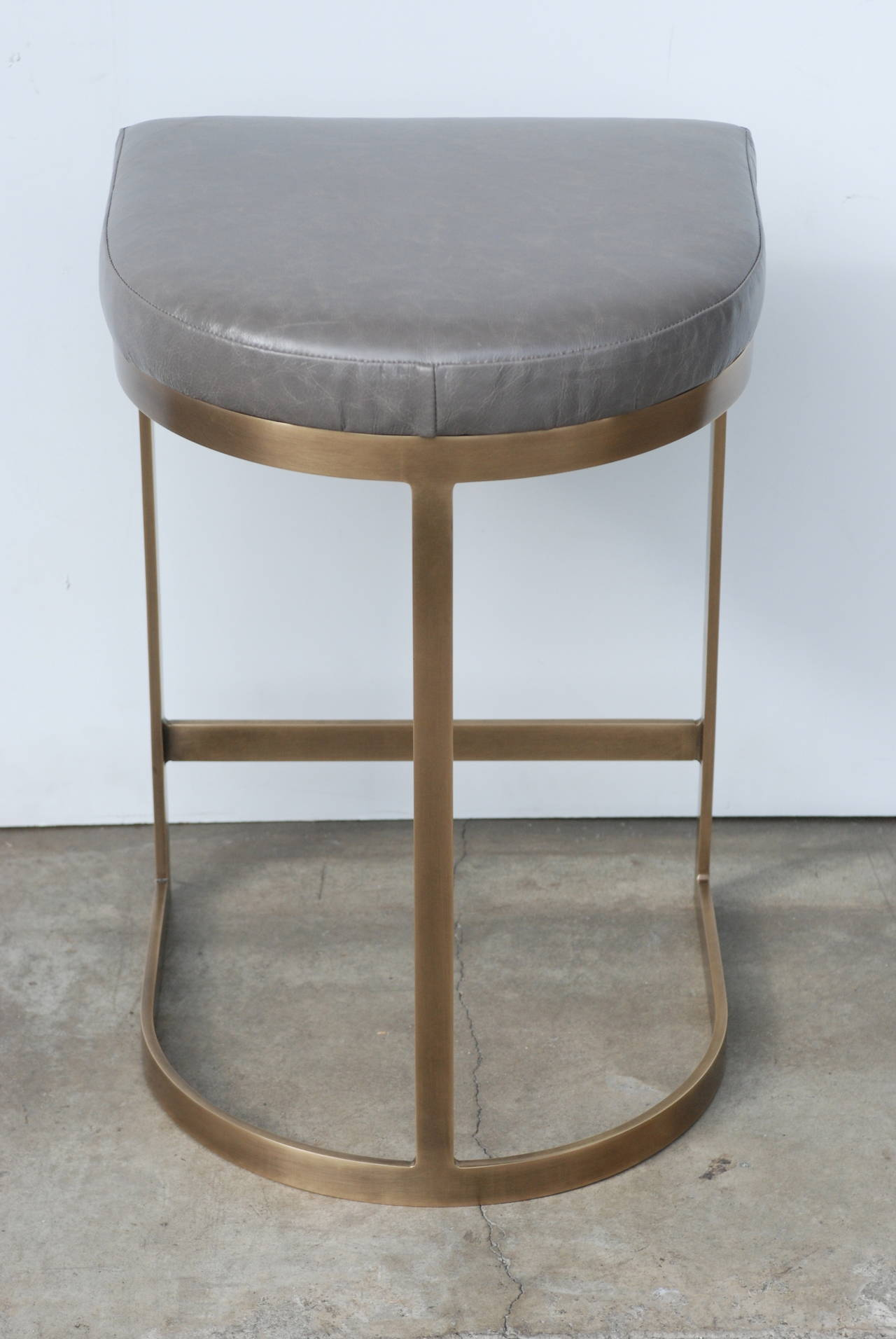 Milo Baughman Burnished Brass Bar Stools in Grey Leather For Sale 4