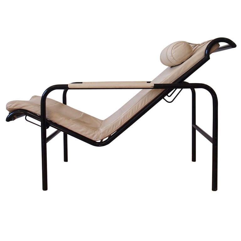 39 genni 39 chaise lounge chair by gabriele mucchi for zanotta for Chaise zanotta