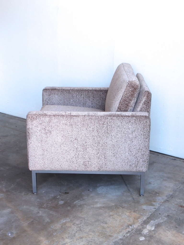 Steelcase lounge chairs - Pair Of Steelcase Lounge Chairs 3