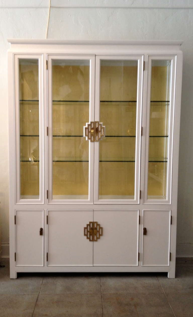 Lighted Mid Century White And Gold Leaf China Cabinet By