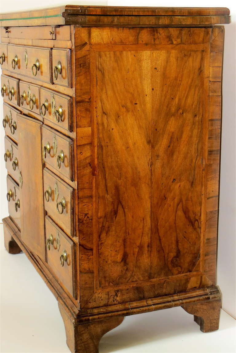 Early 18th Century George I Walnut Bachelors Chest, circa 1720 For Sale