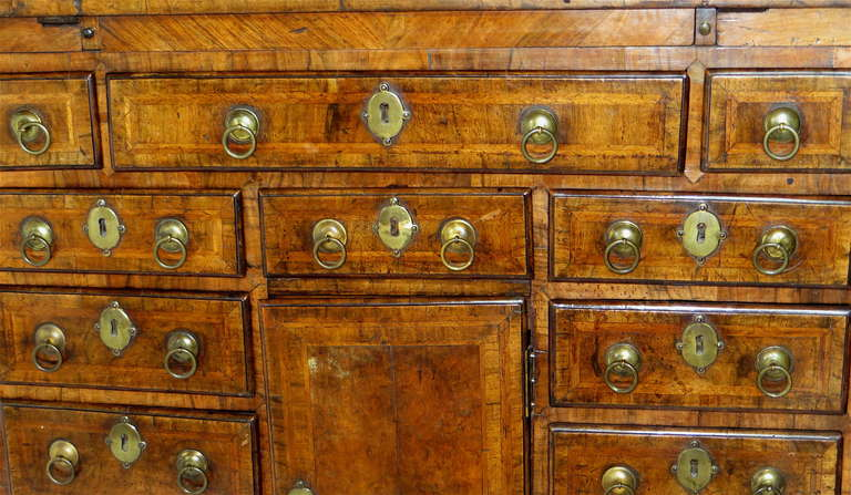 George I Walnut Bachelors Chest, circa 1720 In Good Condition For Sale In Incline Village, NV