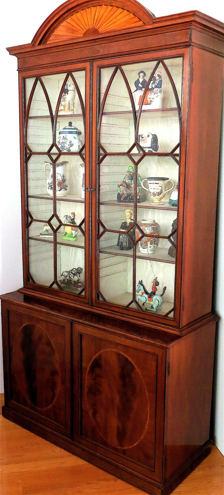 Hand-Crafted George III Mahogany Bookcase, circa 1785 For Sale