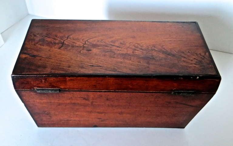 Georgian Mahogany 18th Century Tea Caddy, circa 1780 For Sale 4