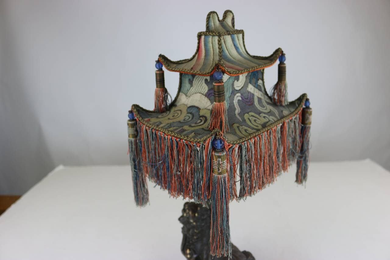 Rare Exotic 1920s Chinoiserie Lamp of Tasseled Pagoda Shade with Foo Dog Base For Sale 2