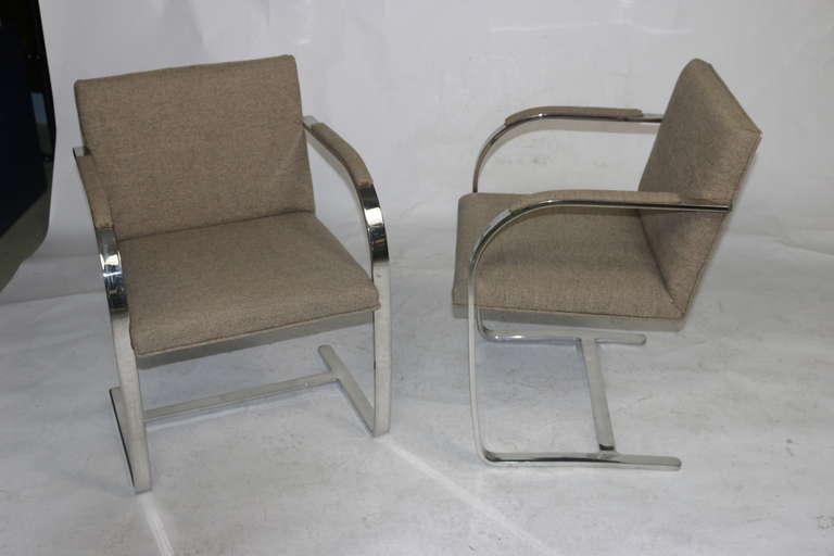 American Pair Mies 'Brno' Arm Chairs Flat Bar-Harris Tweed Fabric-Brueton Labels For Sale