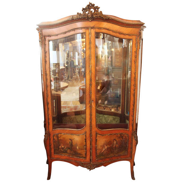 19th Century Antique Two-Door French Display Cabinet or Vitrine by Vernis  Martin For Sale - 19th Century Antique Two-Door French Display Cabinet Or Vitrine By