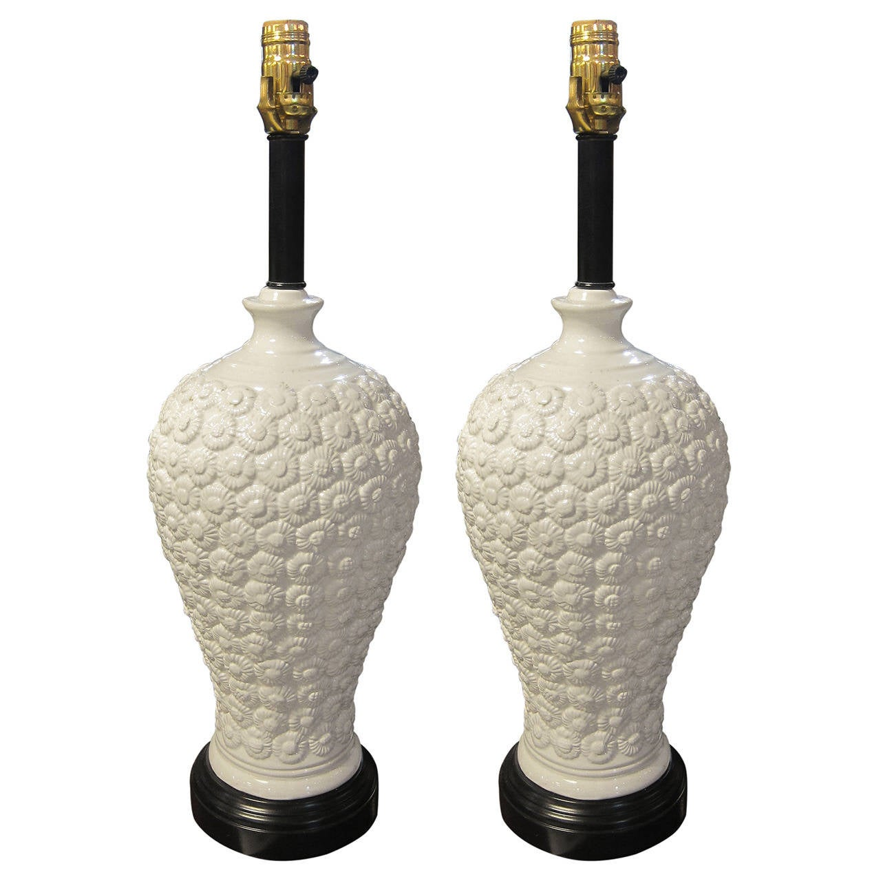 1930s Pair Of French Made Chinoise Style White Porcelain Table Lamps 1
