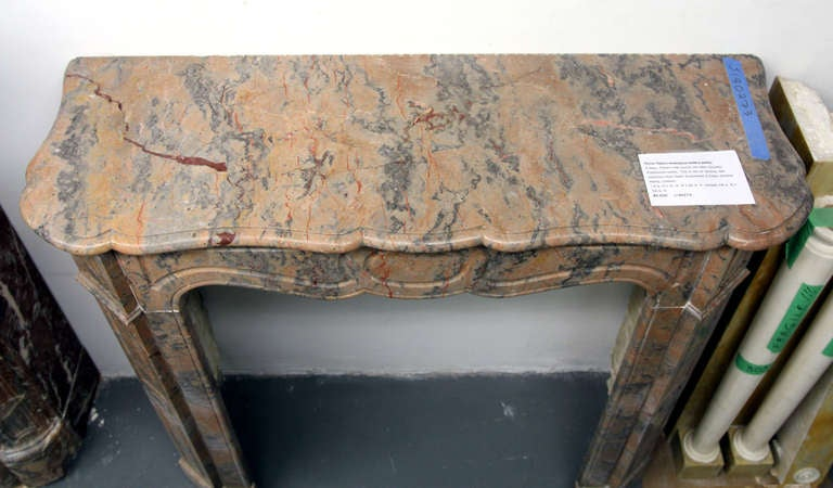 1890s Petite French Pink Rouge and Gray Pompadour Marble Mantel For Sale 3