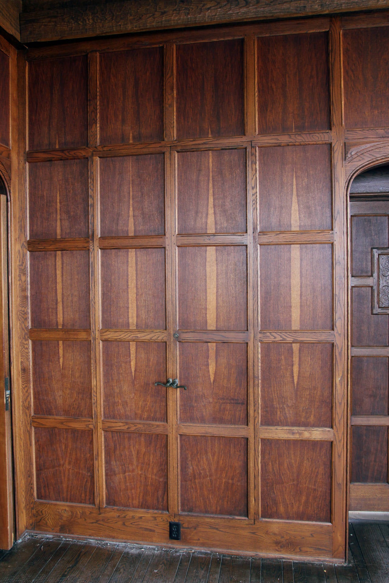1905 tudor style english oak paneled room from two rivers