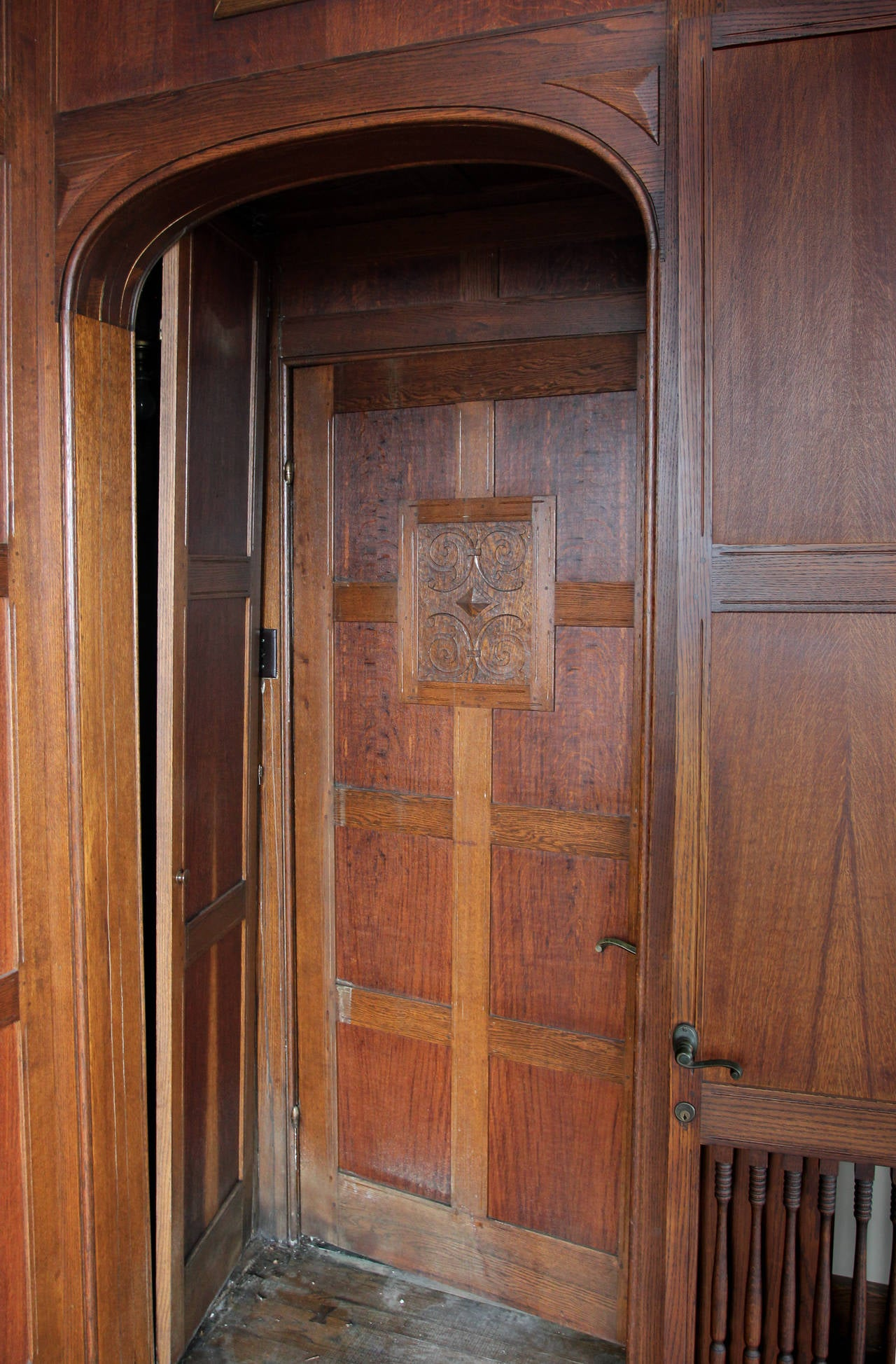Panelled Room: 1905 Solid English Oak Paneled Room With Matching Door