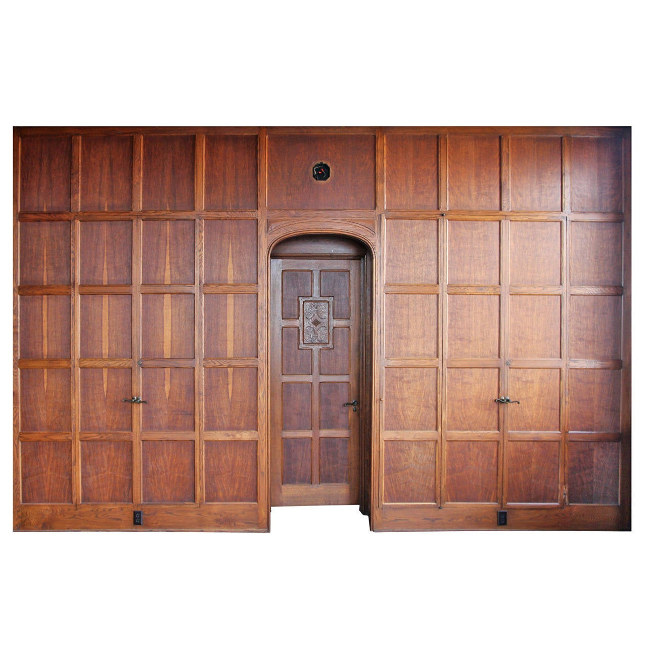 1905 tudor style english oak paneled room from two rivers wisconsin for sale at 1stdibs. Black Bedroom Furniture Sets. Home Design Ideas