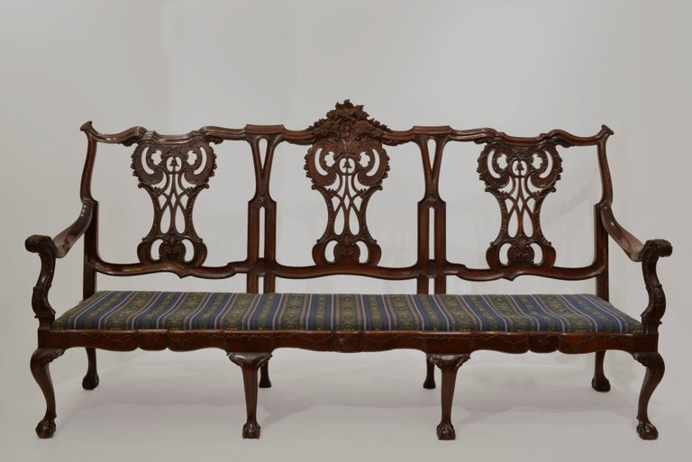18th Century Settee from Brazil For Sale
