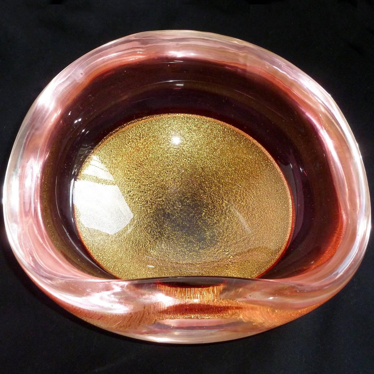 Mid-20th Century Archimede Seguso Murano Gold Flecks Pink Incalmo Rim Italian Art Glass Bowl For Sale