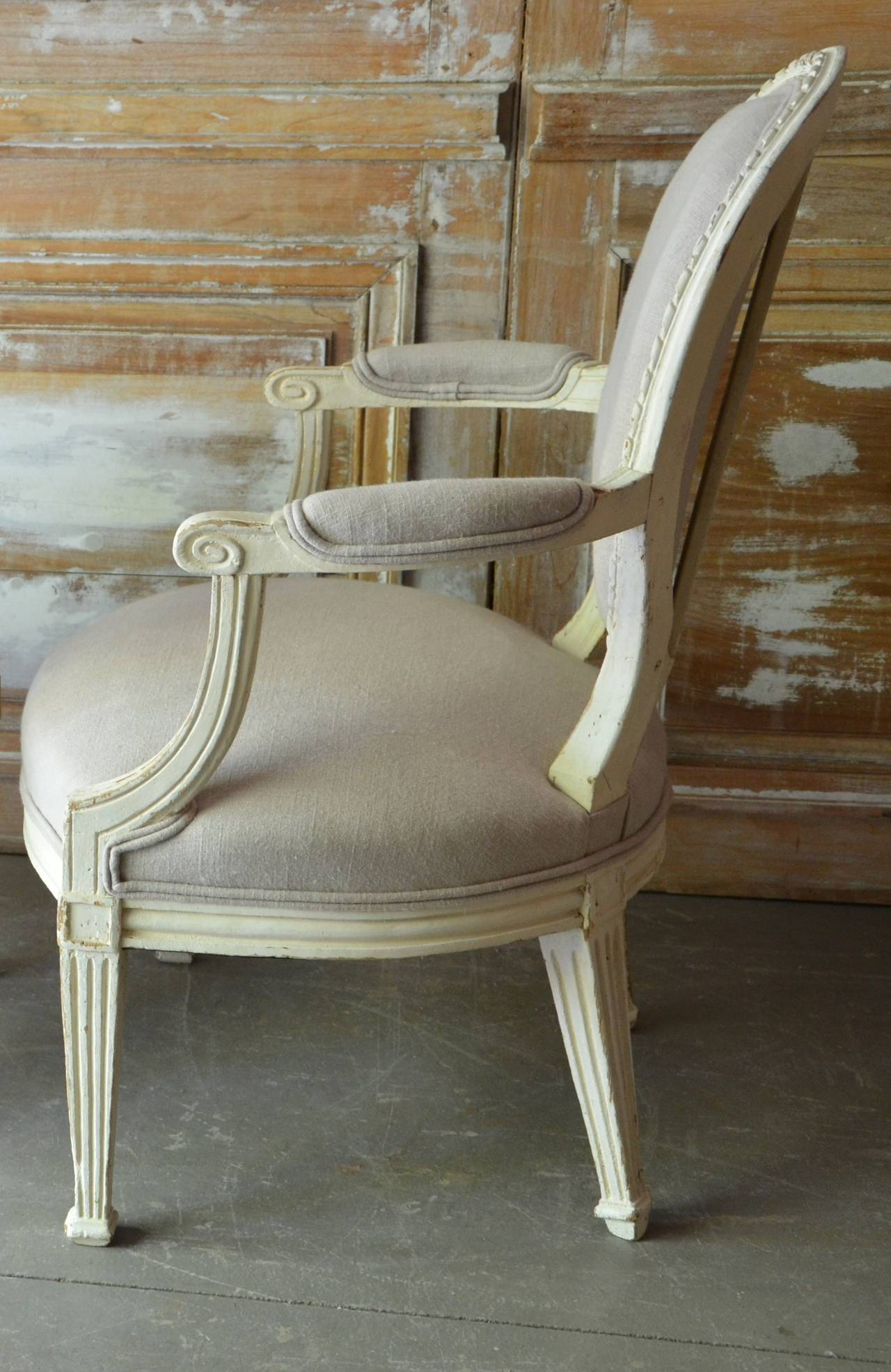 French Pair of 19th Century Louis XV Style Painted Cabriolet Armchairs For Sale