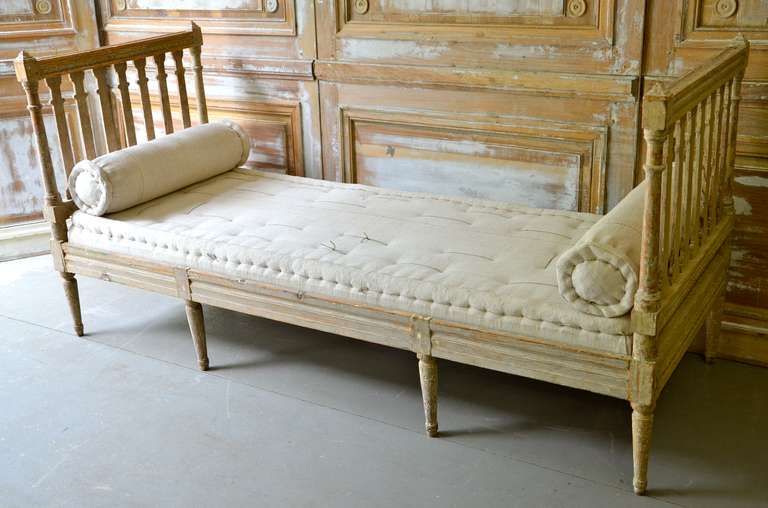 18th century Swedish Gustavian Day Bed. 3
