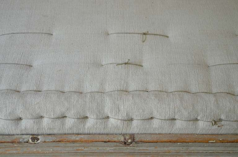 18th century Swedish Gustavian Day Bed. 6