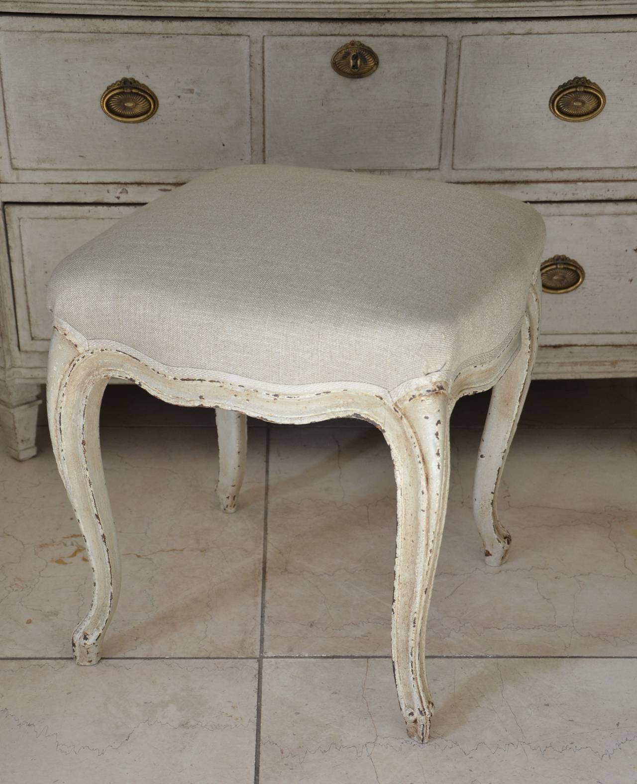 Carved Pair of French Louis XV Style Painted Foot Stool For Sale
