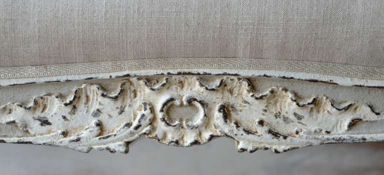 Linen Painted Small Louis XV Style Bench For Sale