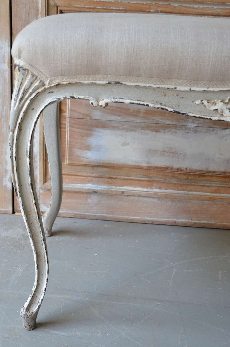 Painted Small Louis XV Style Bench In Excellent Condition For Sale In Charleston, SC