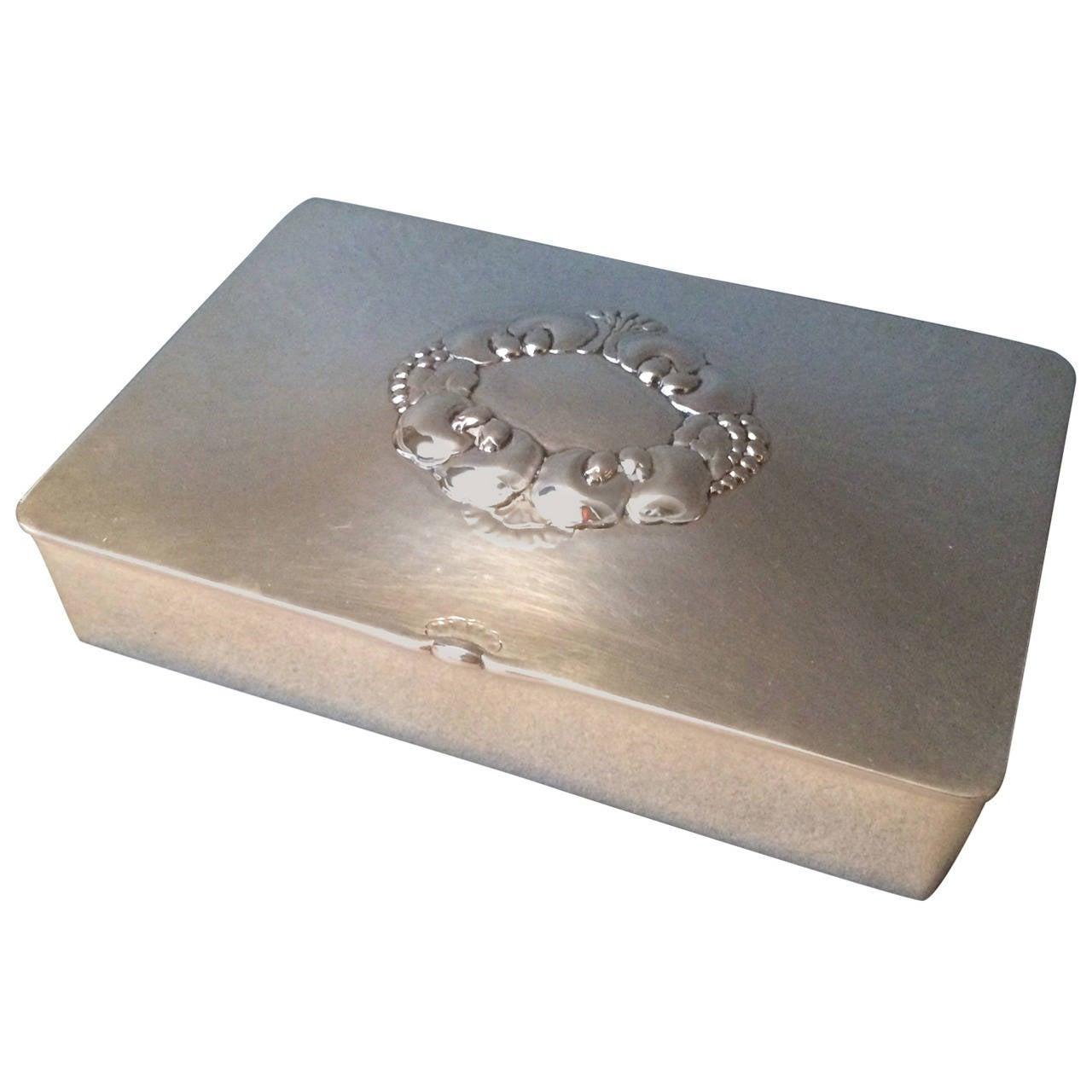 georg jensen keepsake box no 507a by gundorph albertus at 1stdibs. Black Bedroom Furniture Sets. Home Design Ideas