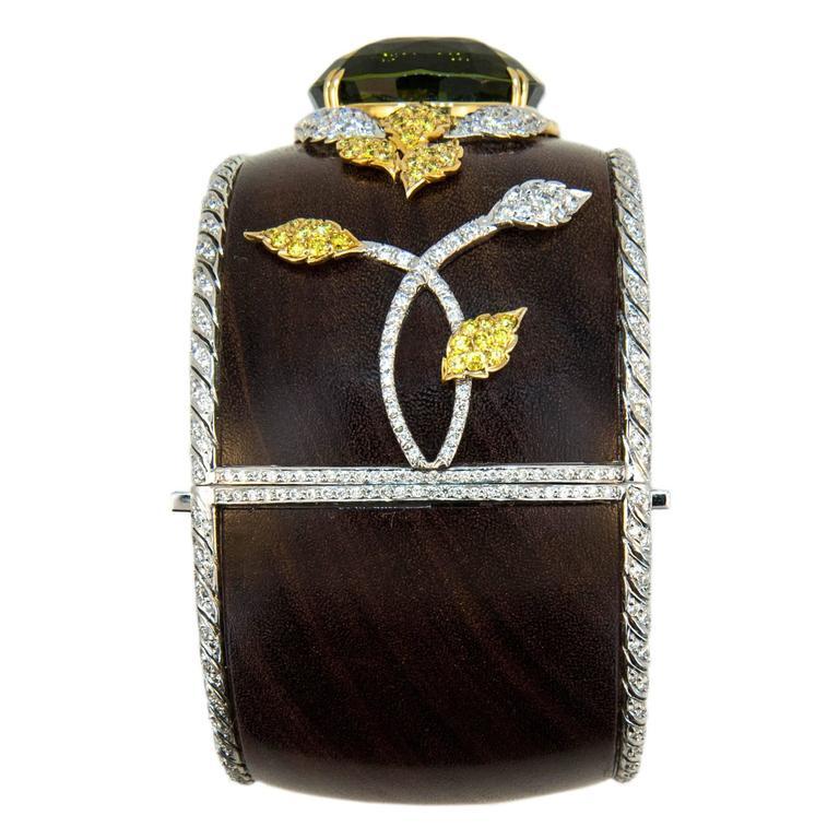 Women's Laura Munder 76.21 Carat Green Tourmaline Wood Diamond Two-Color Gold Bracelet For Sale
